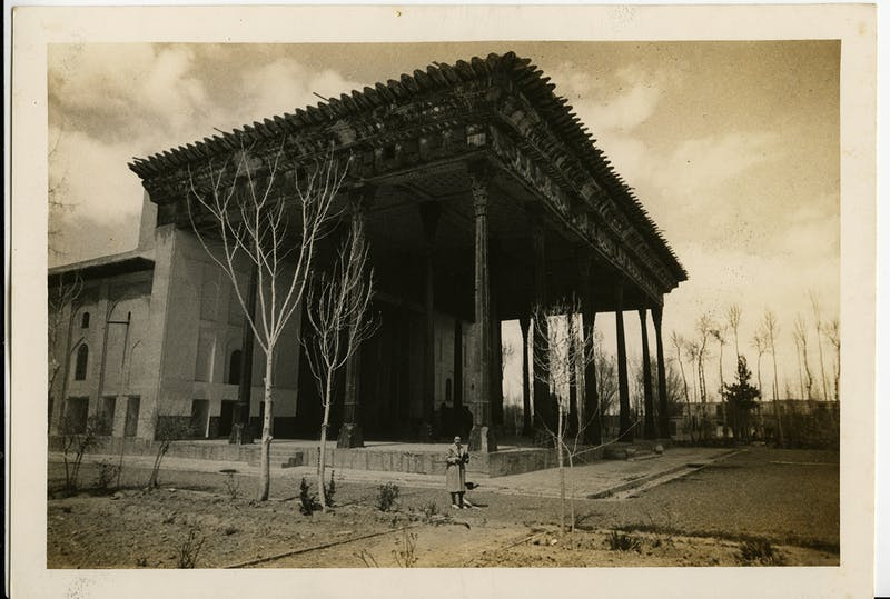 Duke's friend and advisor Mary Crane in front of the Chehel Sutun (1647) in Isfahan, Iran, 1938. Shangri La Historical Archives, Doris Duke Foundation for Islamic Art, Honolulu, Hawai'i.