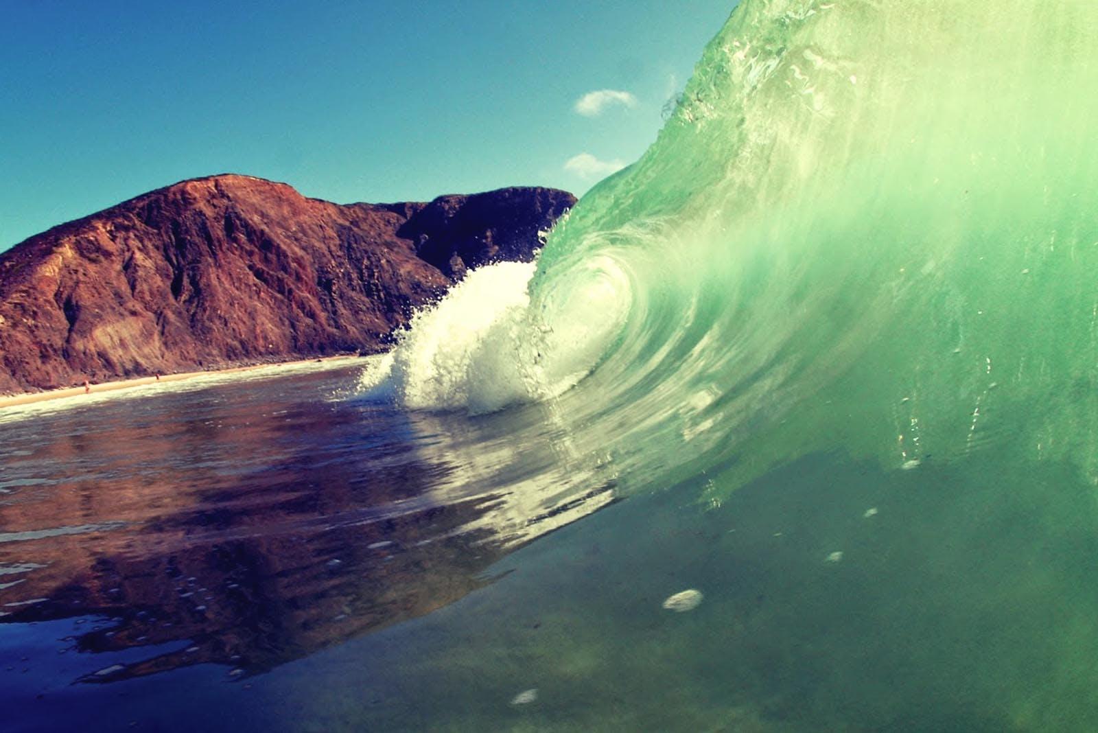 L'un des meilleurs spots de surf du Portugal, la plage d'Arrifana.
