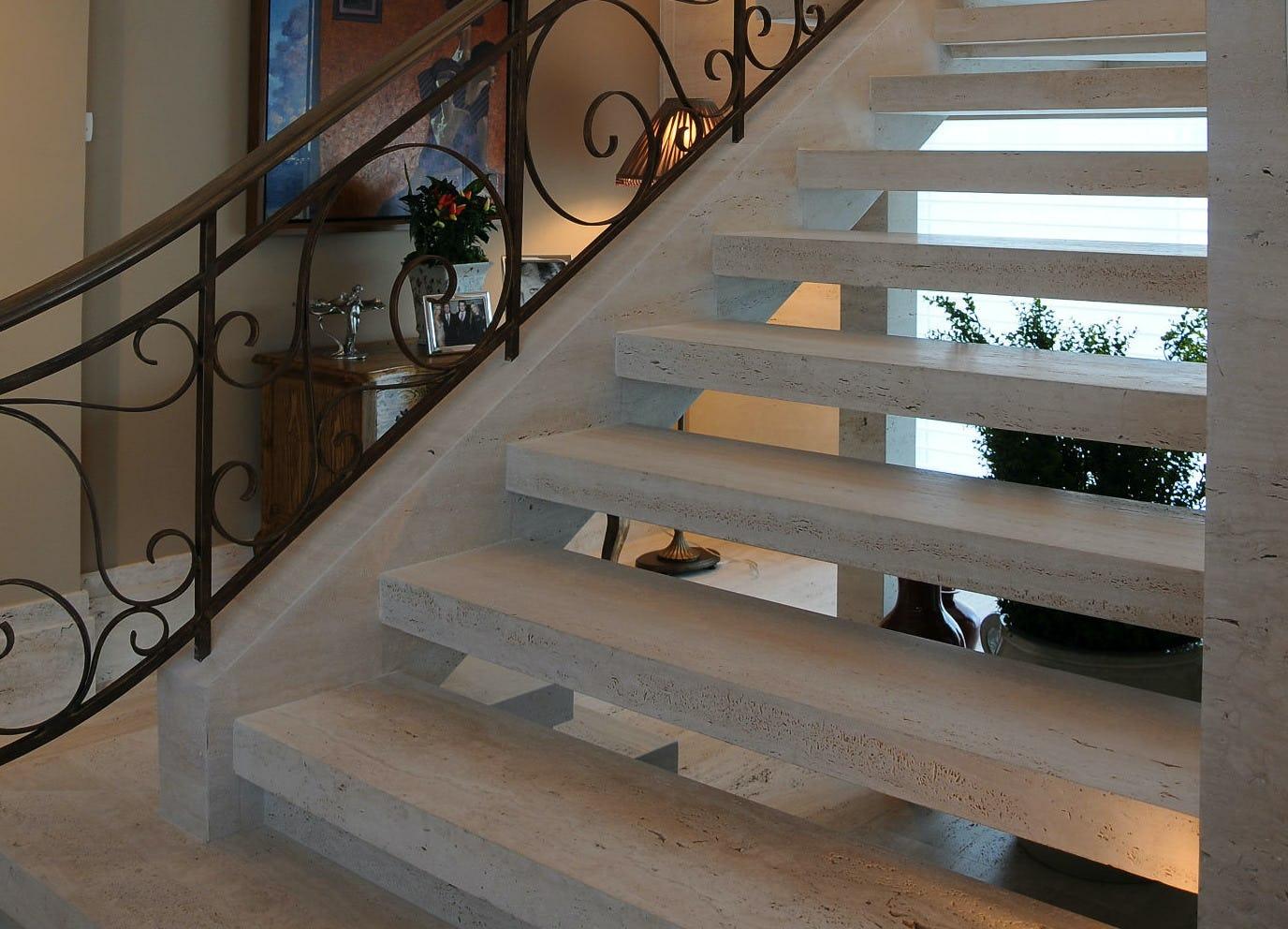 marmore-travertino-escada