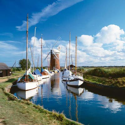 The Norfolk & Suffolk Broads - picturesque waterways
