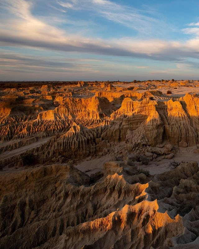 Sunset over the dunes in Mungo National Park