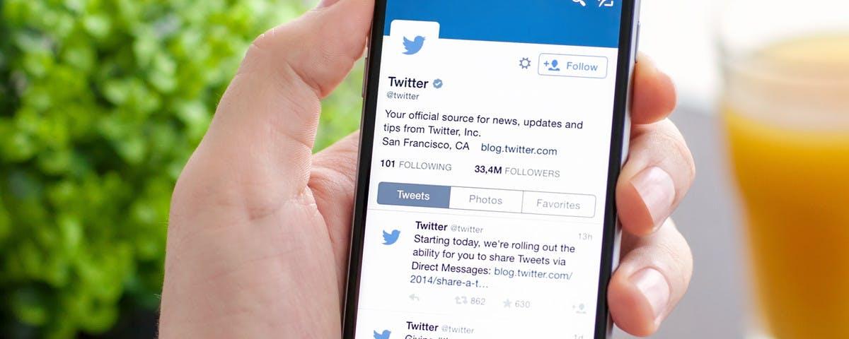 Revisión de mensajes directos de usuarios que no sigues en Twitter