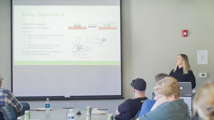 硬件、软件和湿件(人脑) : SoCreate解决了脑机接口(BCI)的话题