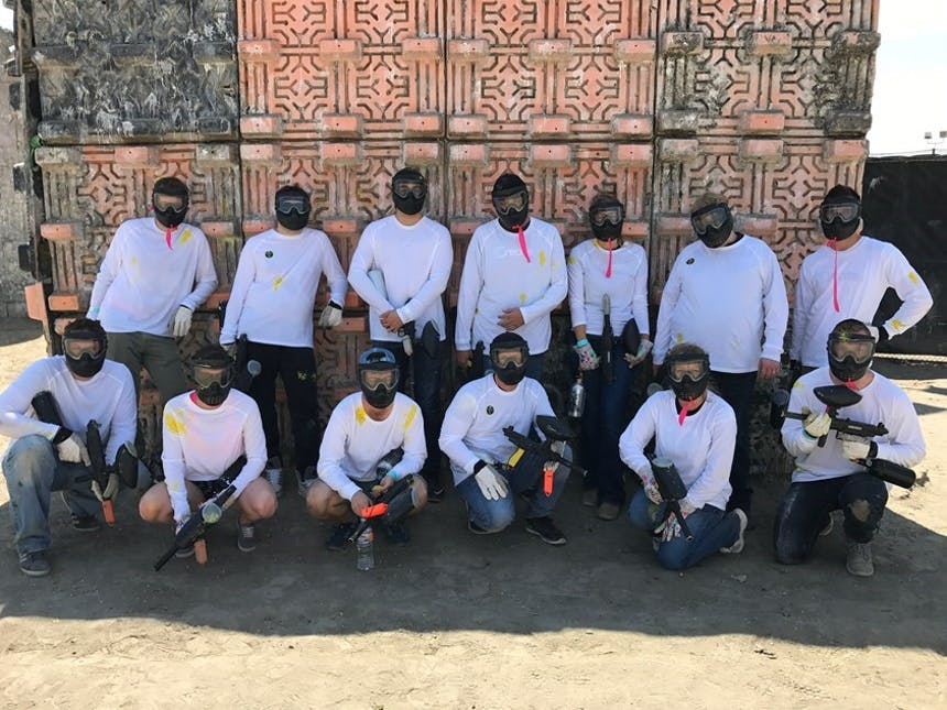 SoCreate end of summer trip 2017 team after paintballing
