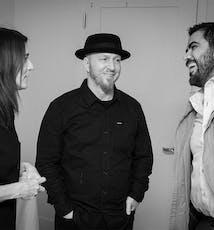 SoCreate首席执行官贾斯汀、运营总监艾米和媒体专家山姆都很享受彼此的陪伴。