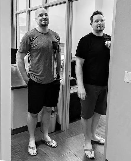 SoCreates Chief of UX Brian und Chief of Software Jamie, die beiden ersten Teammitglieder von SoCreate, arbeiten seit 13 Jahren zusammen.