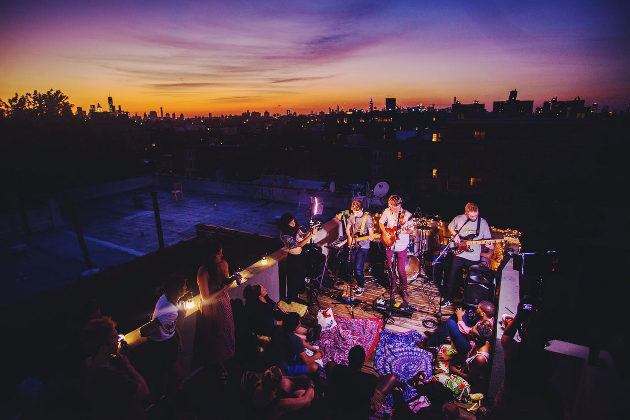 9 Outdoor Performances to Mentally Escape To