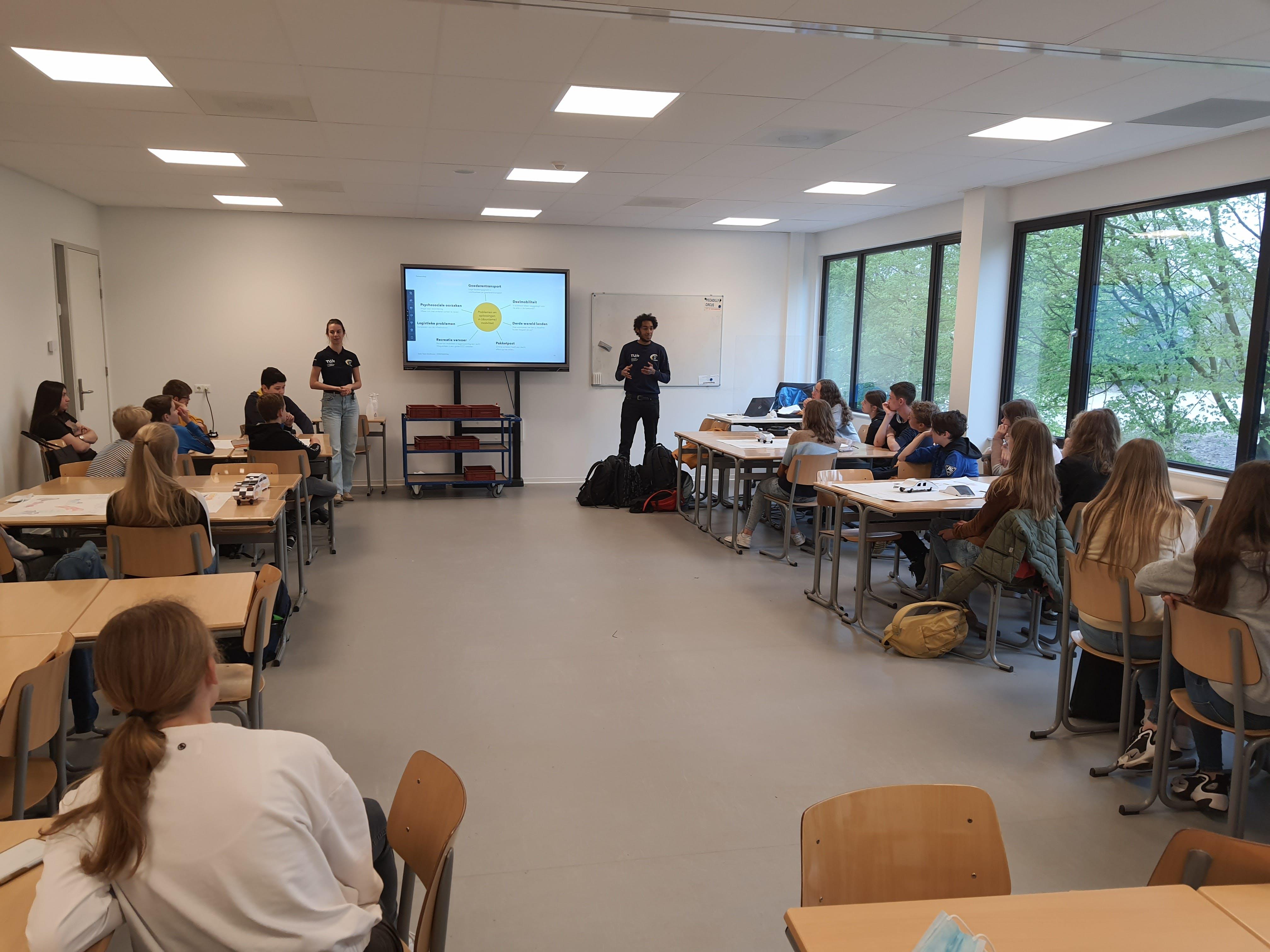 Solar Team visits Strabrecht College in Geldrop