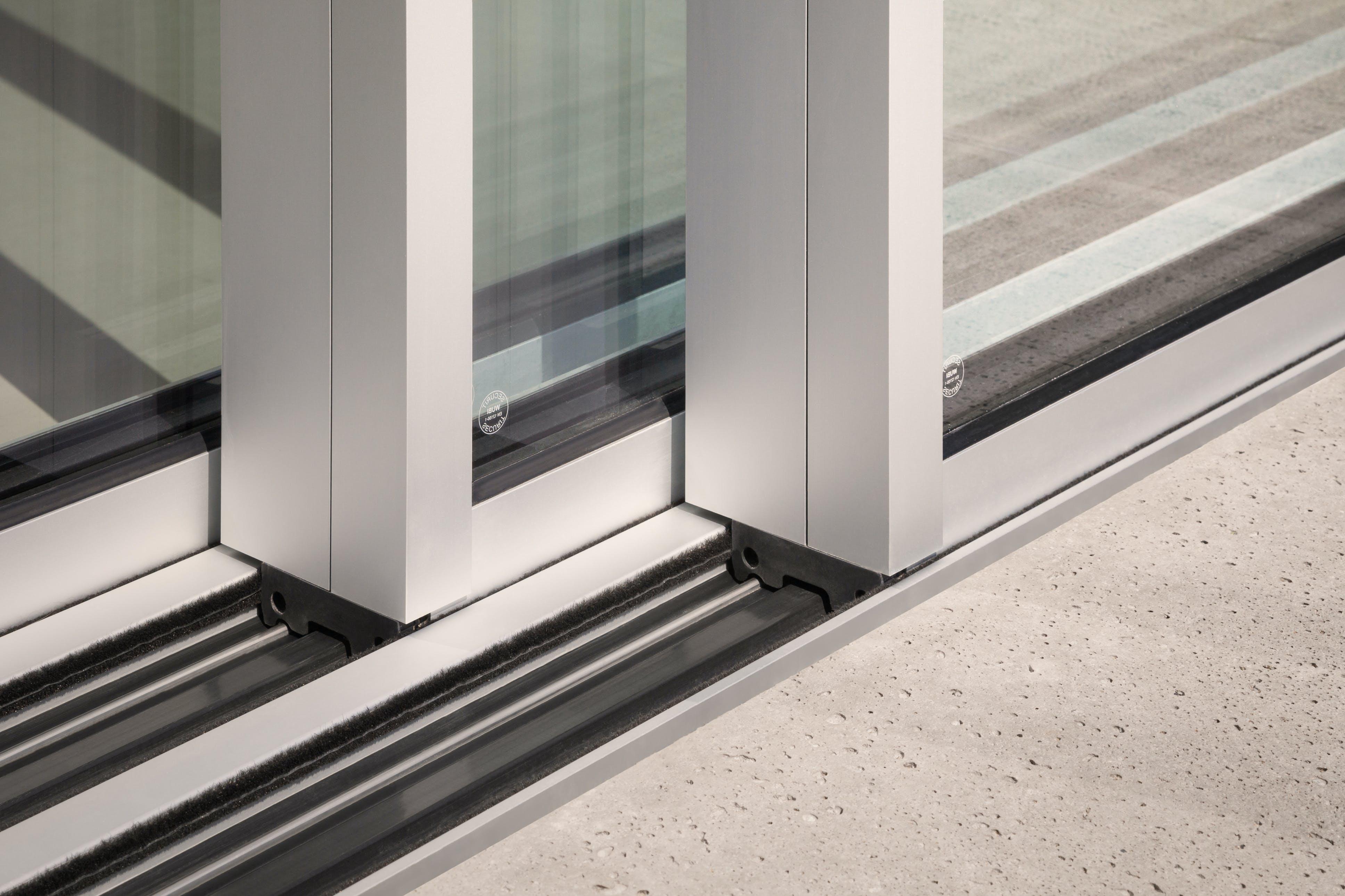 best aluminium sliding door for your patio, Solarlux Cero sliding door, premium sliding door