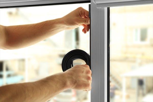 een winterproof huis - ramen en deuren afkitten