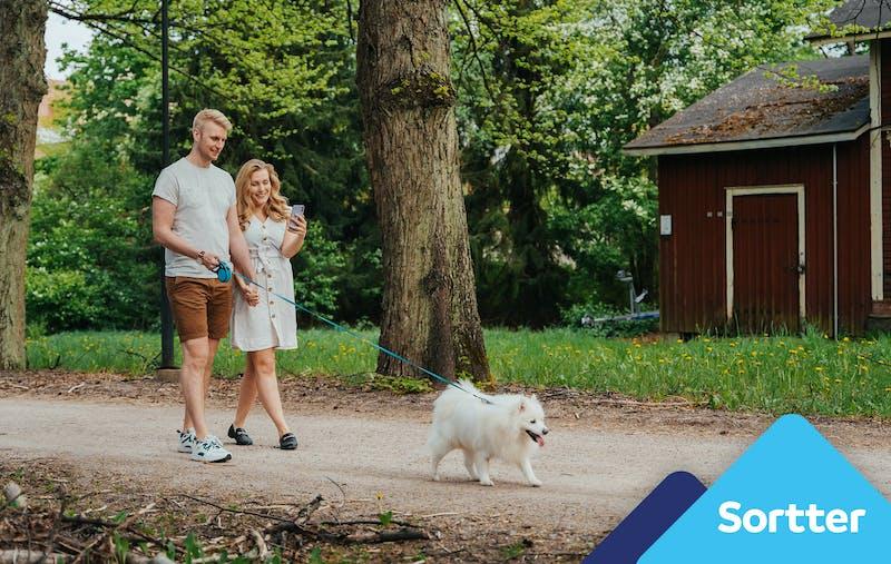 Paris pastaigajas ar suni