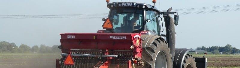 lauksaimniecibas zemes iegade