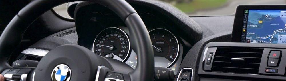 Auton arvon aleneminen