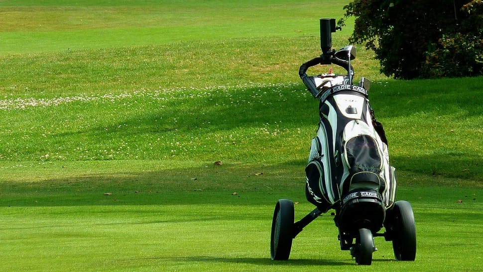 Auf die richtige Ausrüstung sollten Sie beim Golfen nicht verzichten.