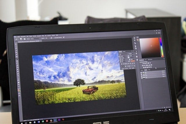 Photoshop aud Laptop
