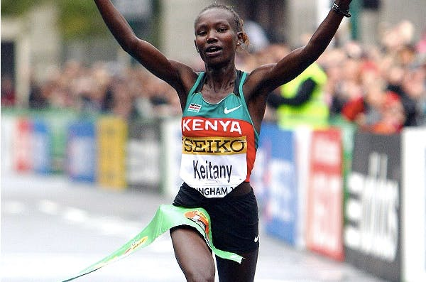 Mary Keitany crossing the finish line