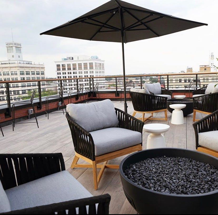 Vantage Rooftop Lounge & Conservatory