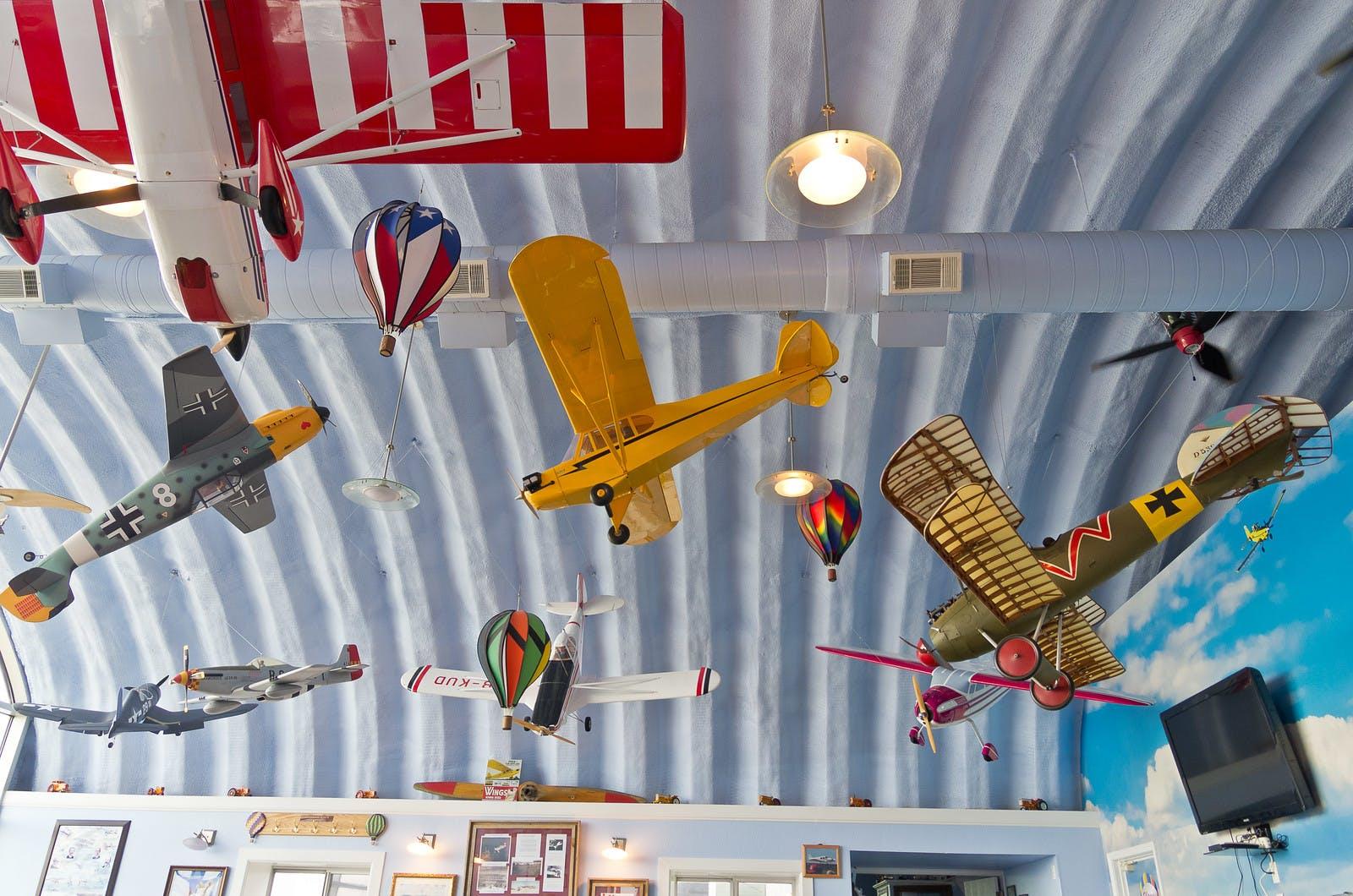 Miller's Hangar Kafe