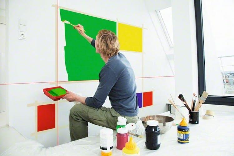 Ristilaseria voi käyttää apuna maalaamisessa