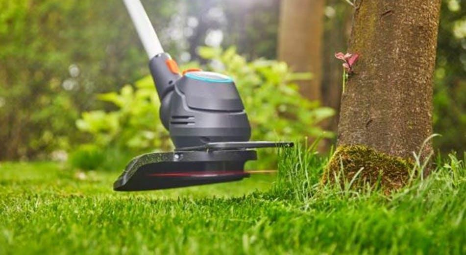 Opas: Näin trimmaat ruohoa mukavammin ja tehokkaammin oikealla tekniikalla