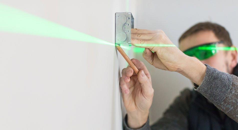 Opas: Linjalaser vai pyörivä laser – milloin käytät kutakin?