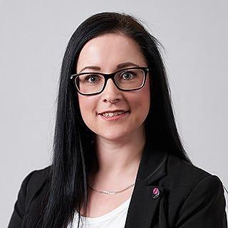 Mitarbeiter-Portrait-Sandra Franz