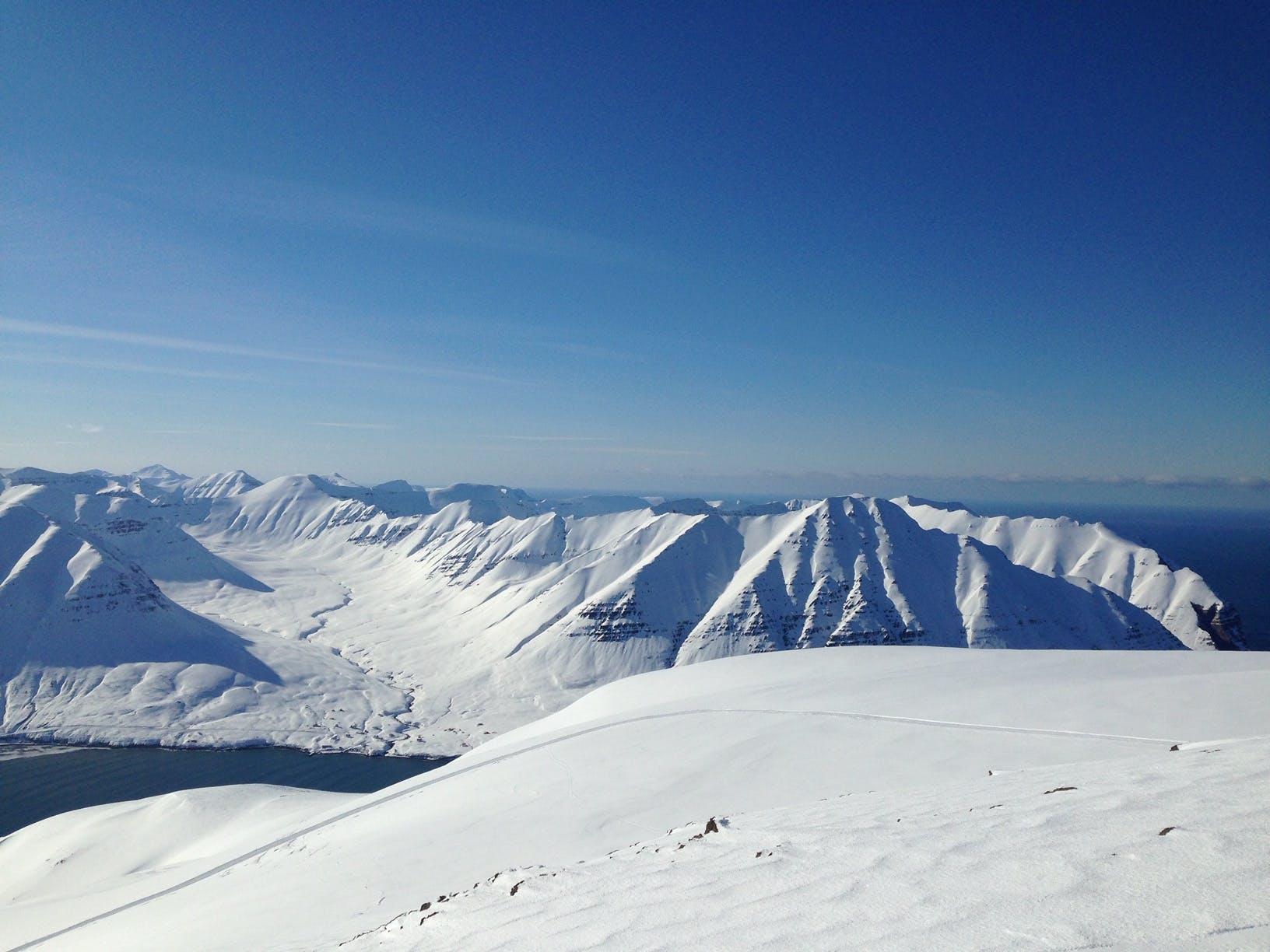 Mountain view Splitboard adventure Iceland