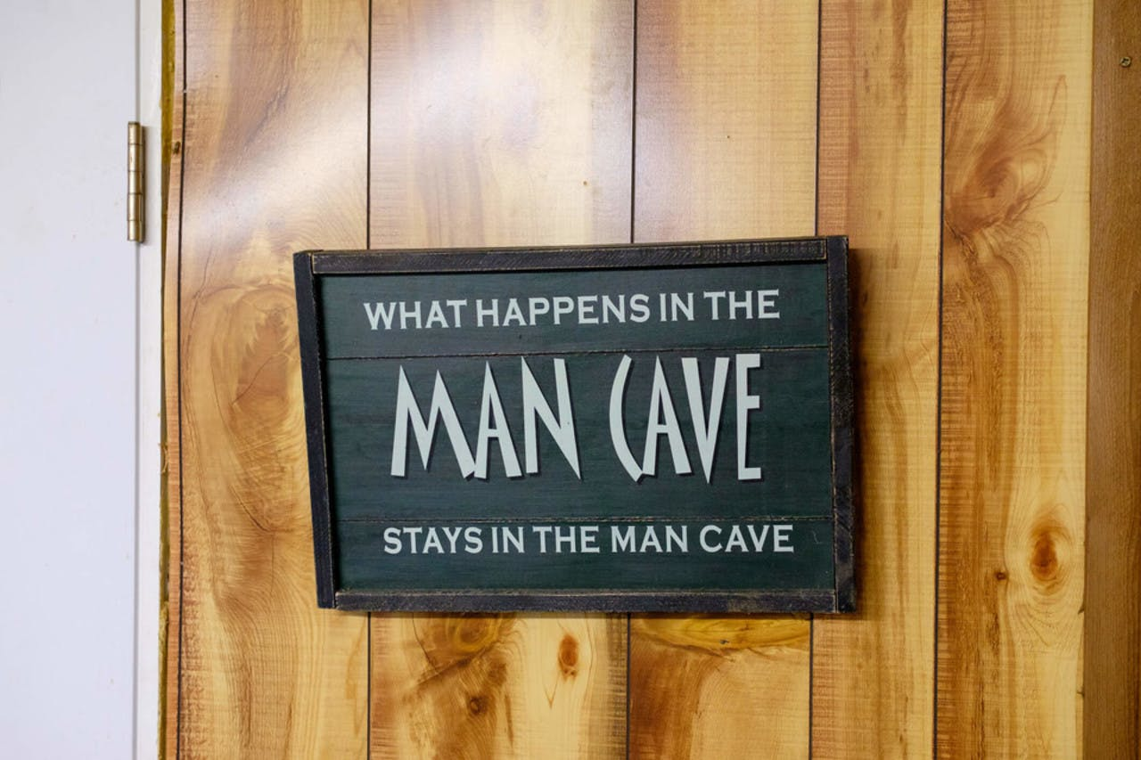 """""""Man cave"""" skilt"""