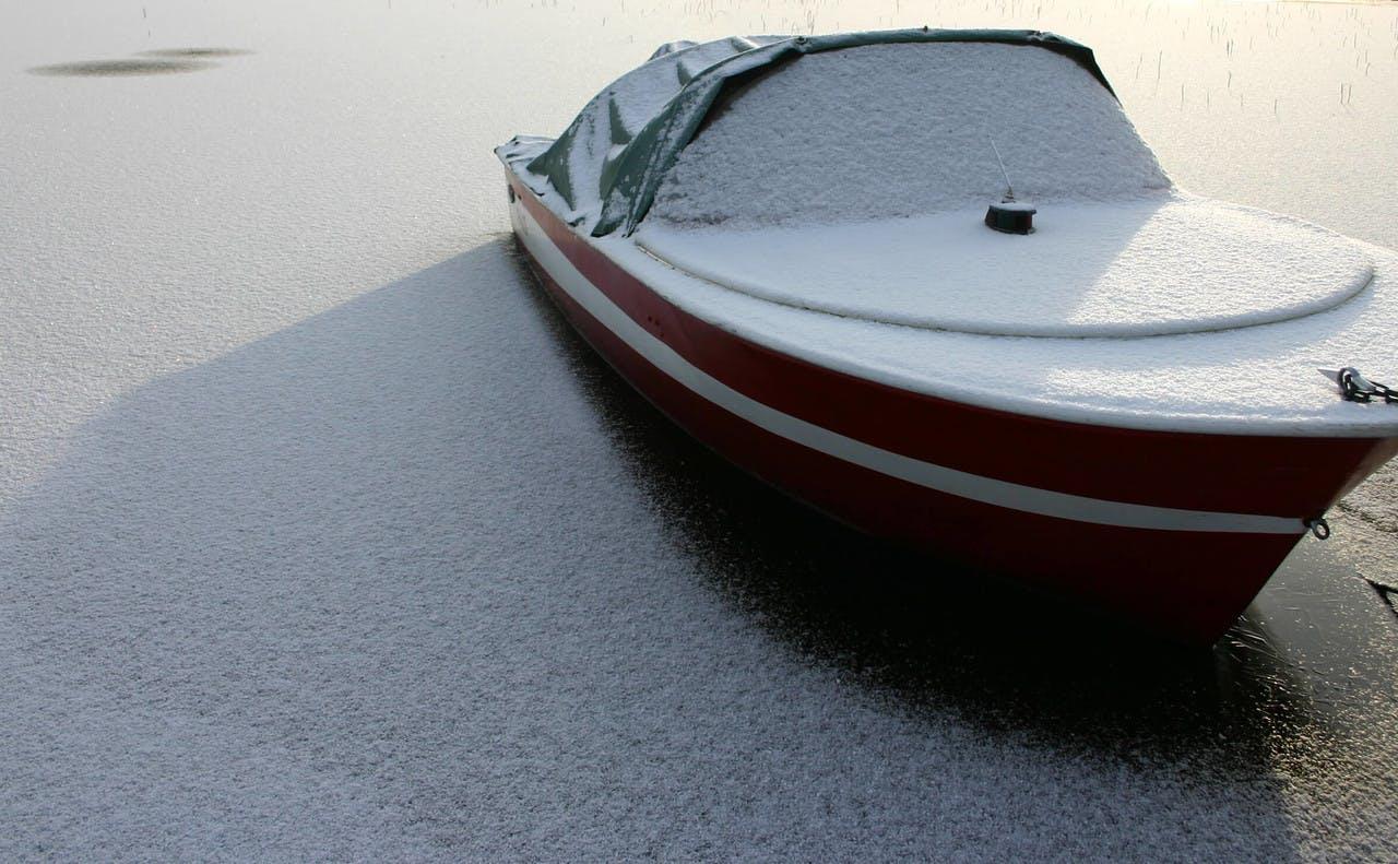 Båt om vinteren