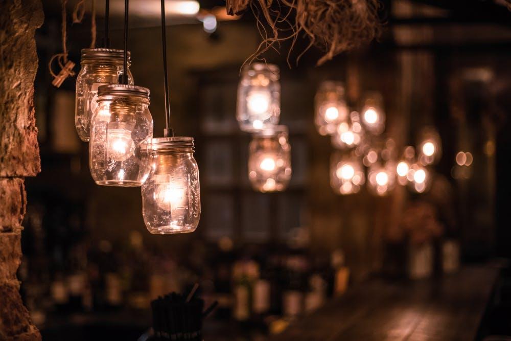 decoratiuni lumini bar