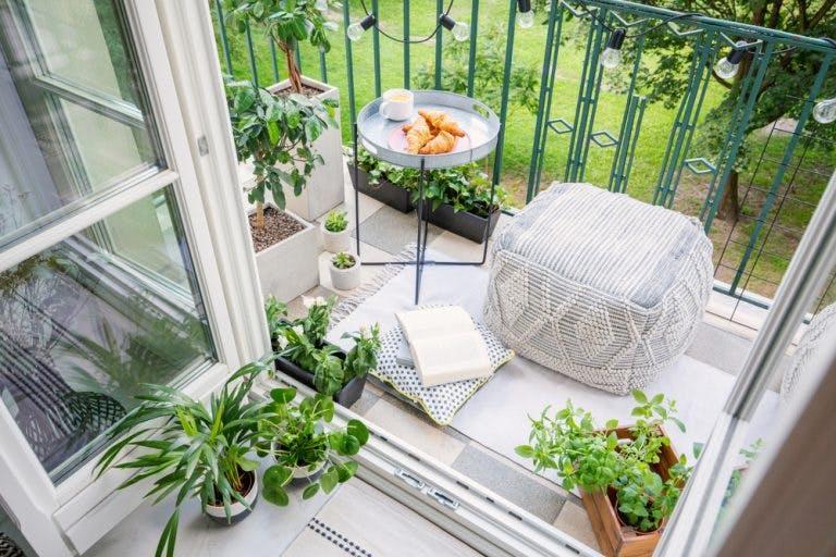 Balcon spatiu de relaxare