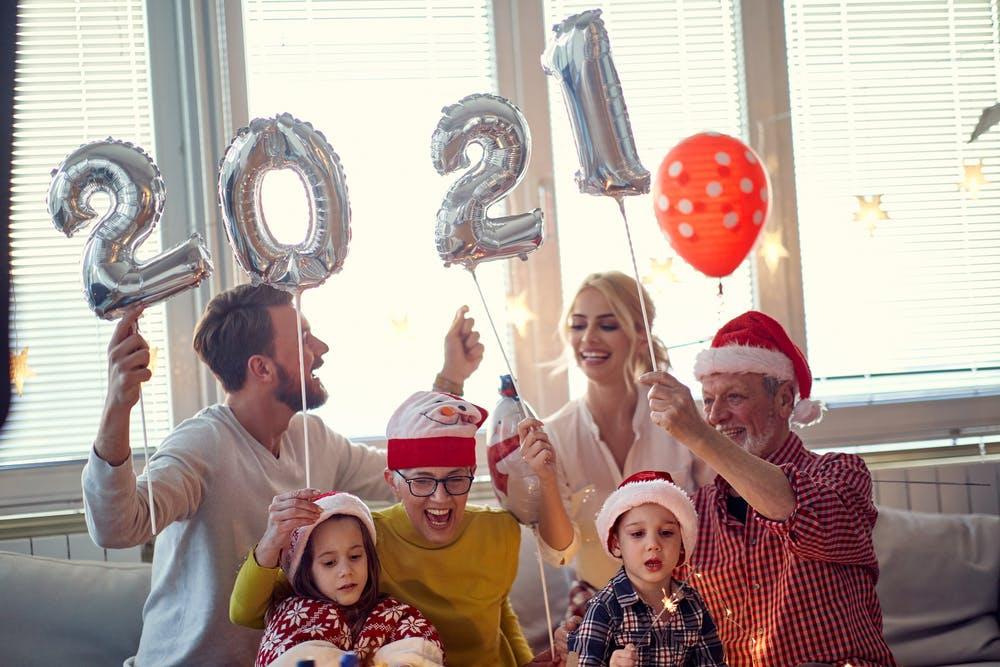 Revelionul acasă - cum organizezi cea mai cool petrecere