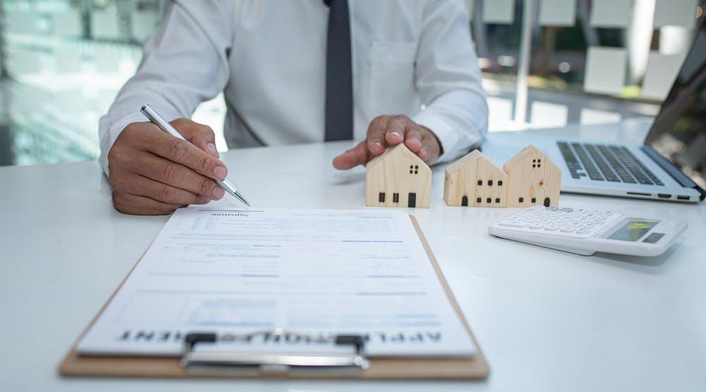 Vânzarea de locuințe noi: cum te ajută o agenție imobiliară, cum o alegi și ce așteptări să ai