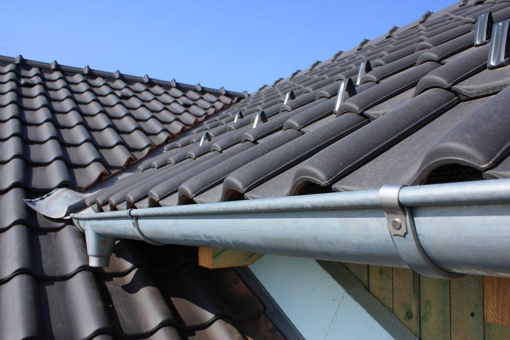 Renovarea unui acoperiș - tipuri de lucrări, prețul estimativ al manoperei, materiale recomandate