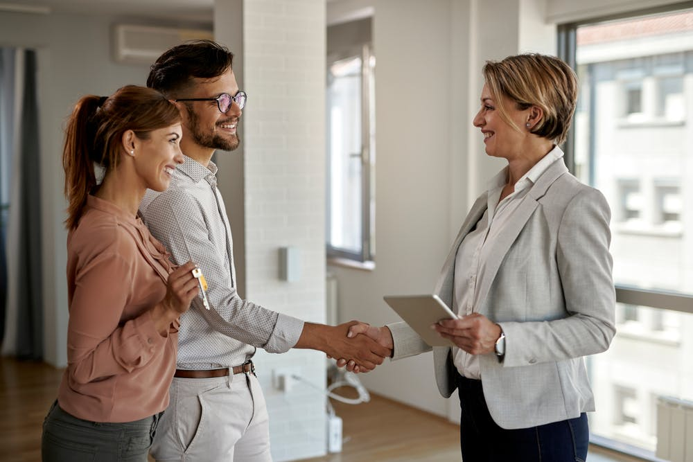 Sfaturi pentru comunicare eficientă cu potențialii clienți din domeniul imobiliar