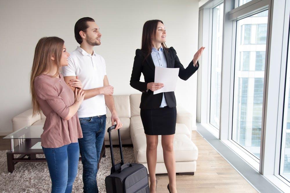 Cum decurg vizionările de succes: vinde sau închiriază de la prima vizită
