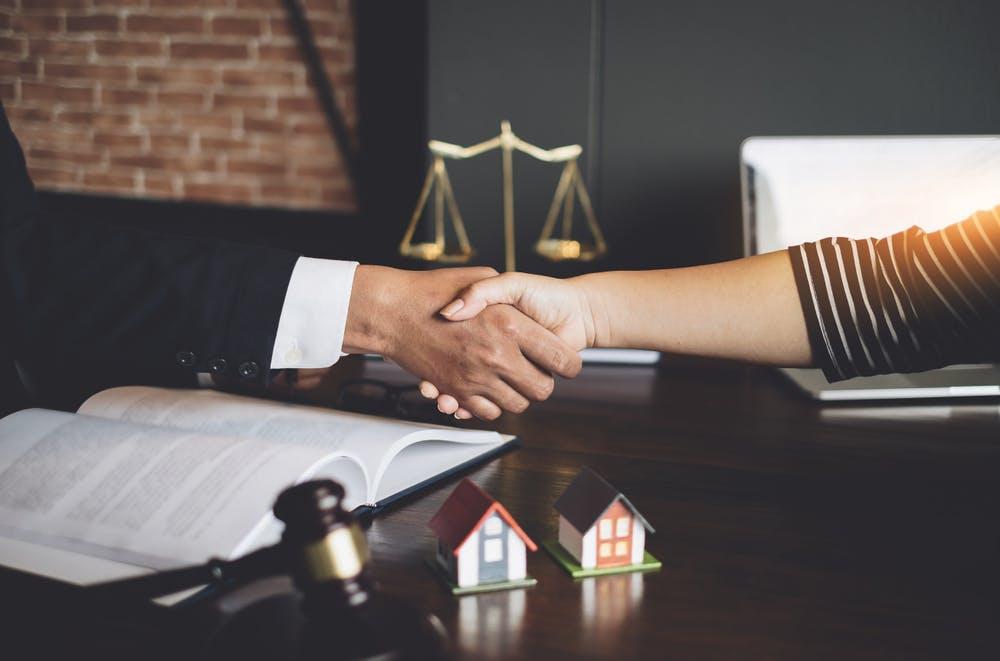 Contractul de intermediere imobiliară. Ce este și ce beneficii are