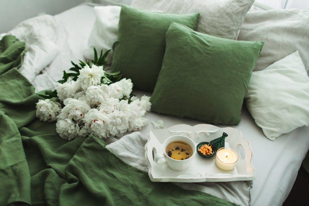 Cromoterapia - beneficiile culorilor, cum le alegem pe cele potrivite pentru dormitor, living, bucătărie
