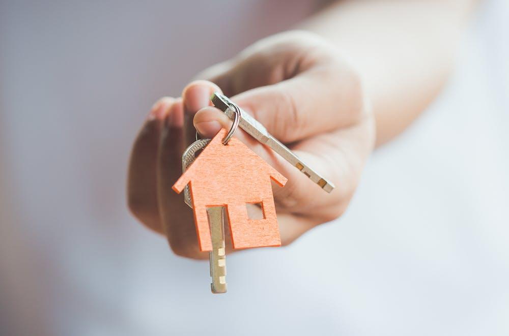 Flipping houses în România – Ce înseamnă, cât de profitabil este, care sunt pașii