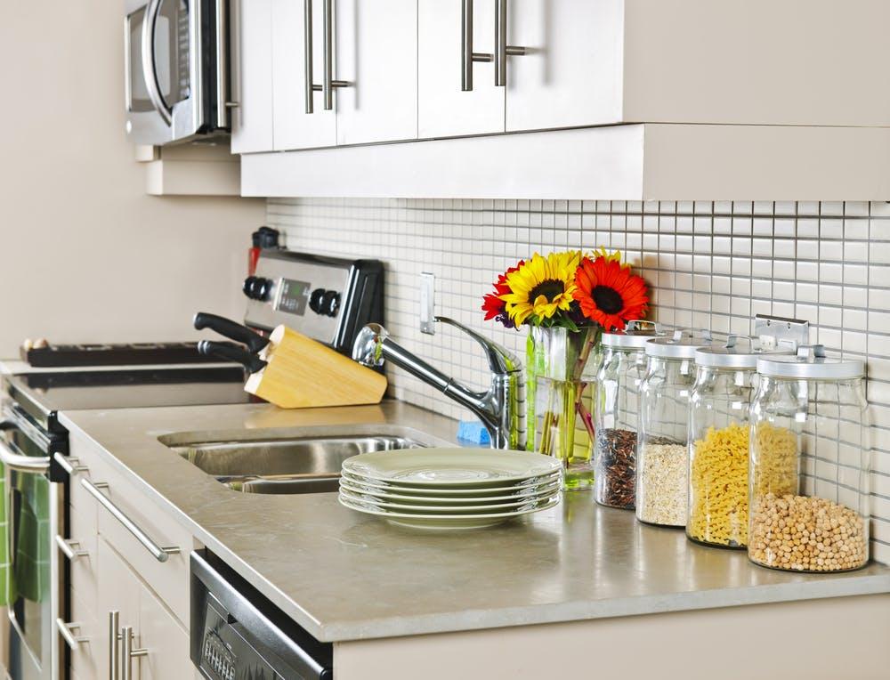 Amenajarea unei bucătării de mici dimensiuni: ponturi utile