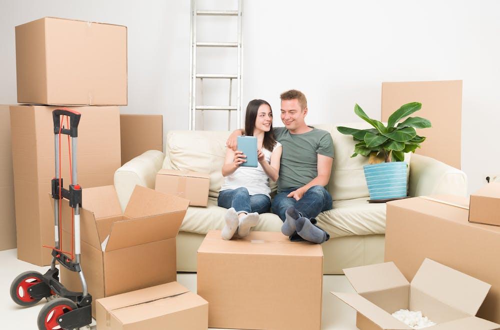 Idei de cadouri inspirate pentru o casă nouă