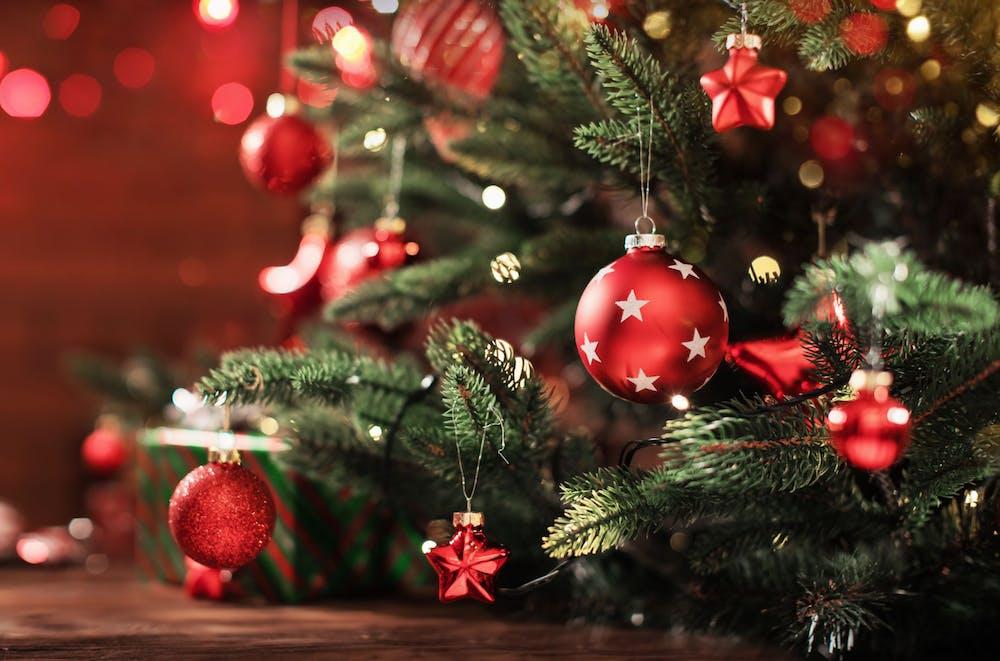 Idei de decorare a bradului de Crăciun