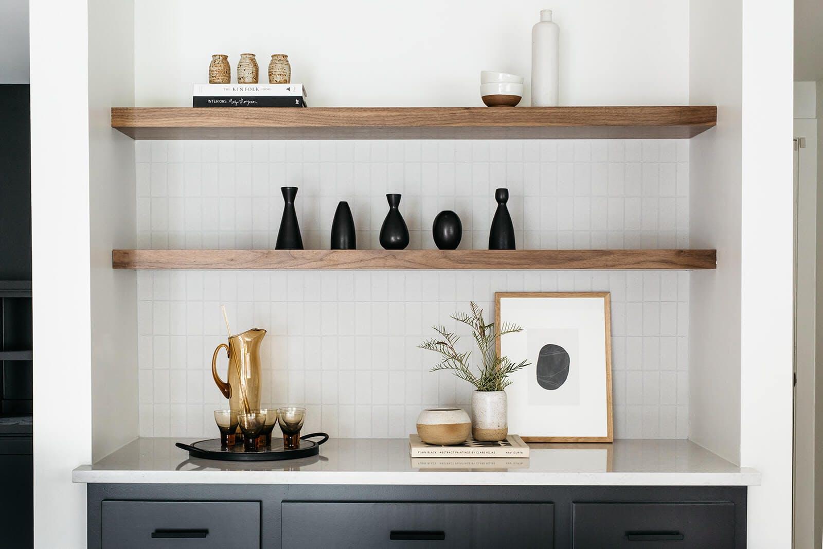 Kitchen shelves decorations