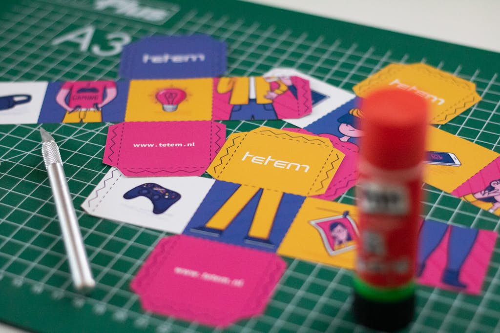 losse elementen gedrukte interactieve flyer tetem