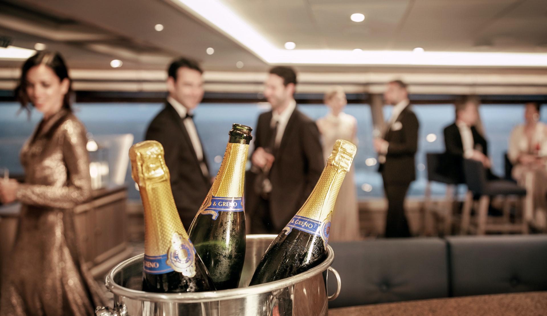 Champagne ingår på en kryssning med Silversea