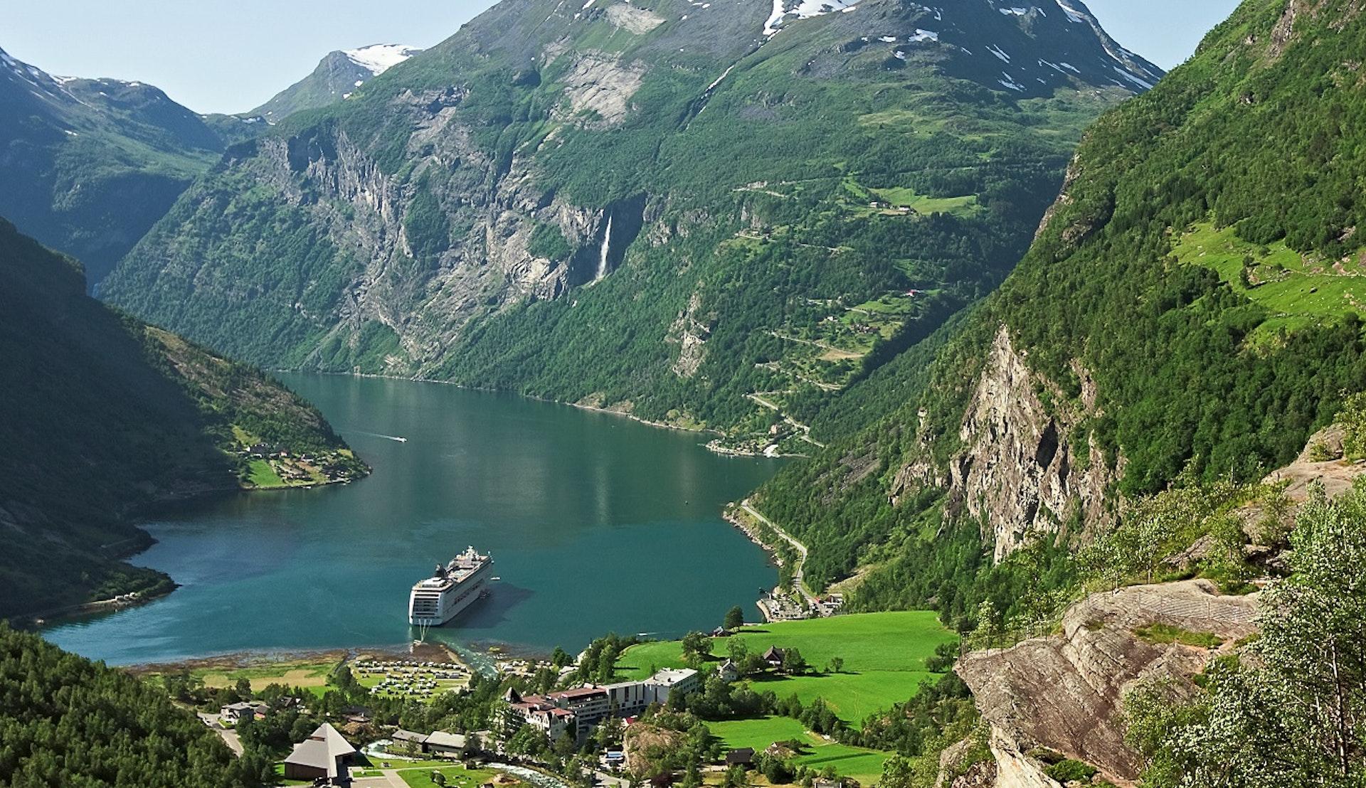 Kryssning till Geiranger Norska fjordar
