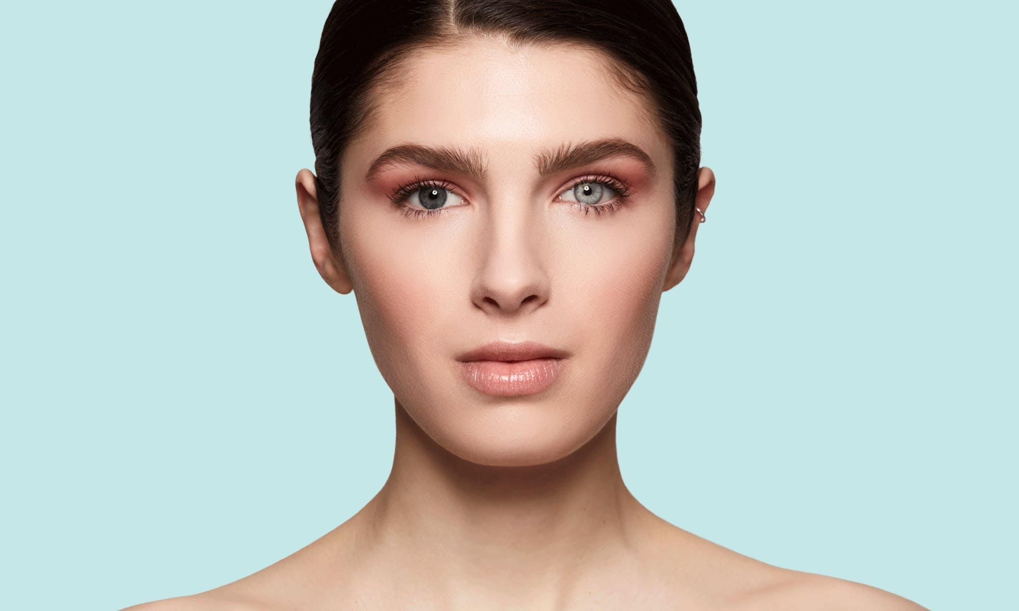 How do SWATI Blue Coloured Turquoise lenses look on topaz/grey/blue eyes?