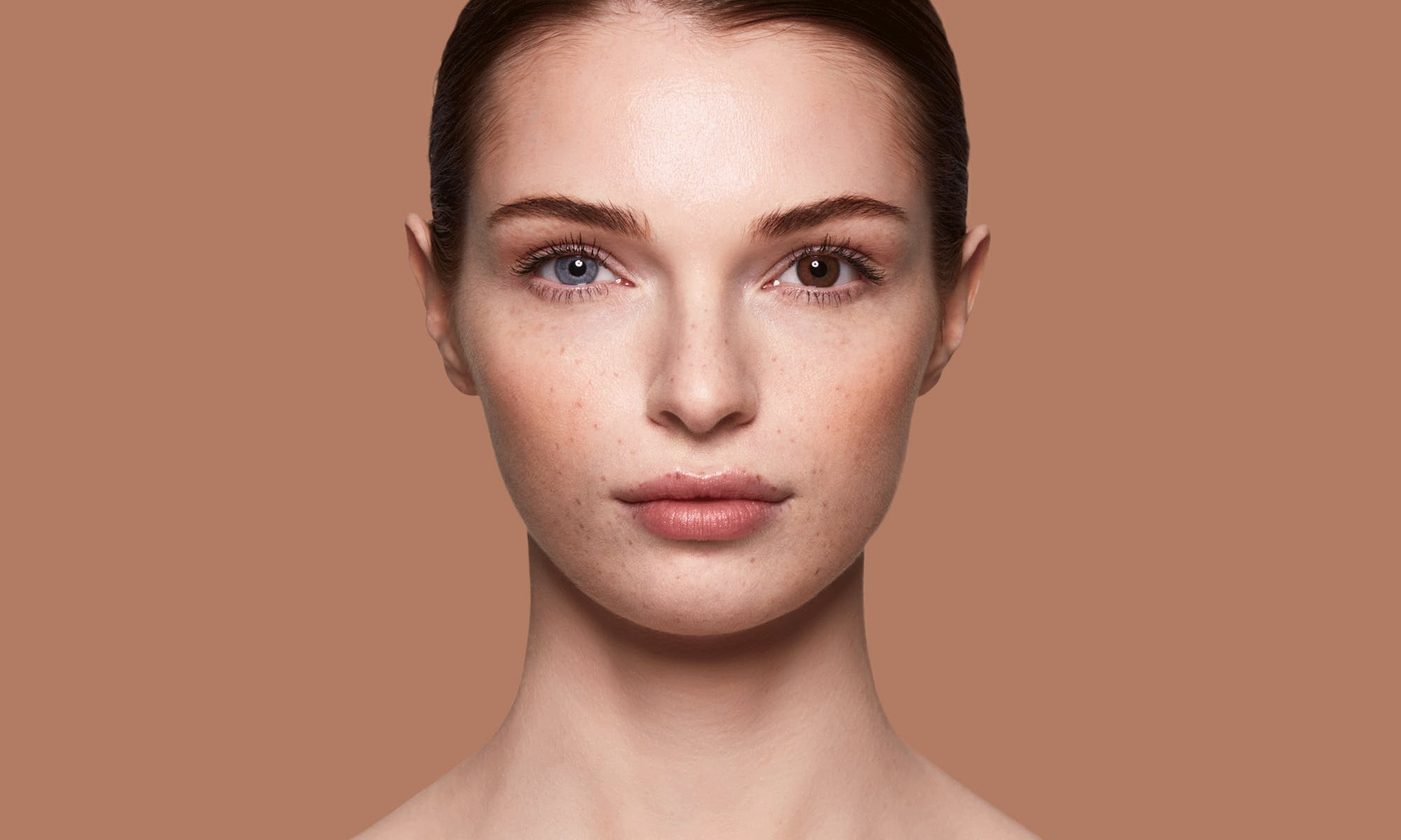 How do SWATI Dark Brown Coloured Bronze lenses look on blue eyes?