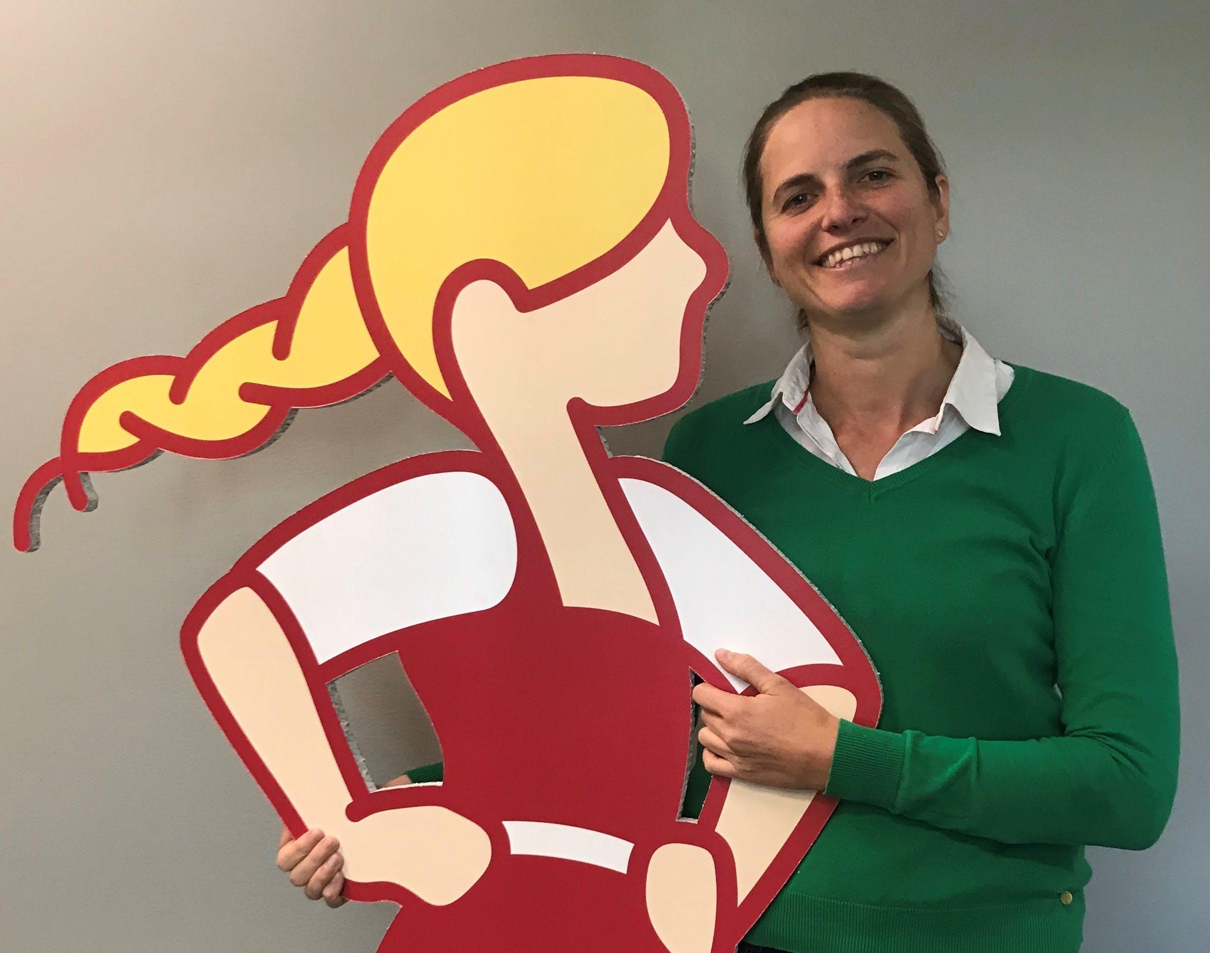 Sofie Oraug-Rygh er direktør for kommunikasjon, myndighetskontakt og bærekraft i Scandza Norge, som Synnøve er en del av.