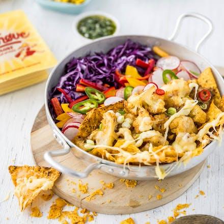 Tasty, crispy nachos-bowl